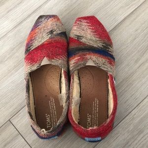 Toms with Faux Fur in red